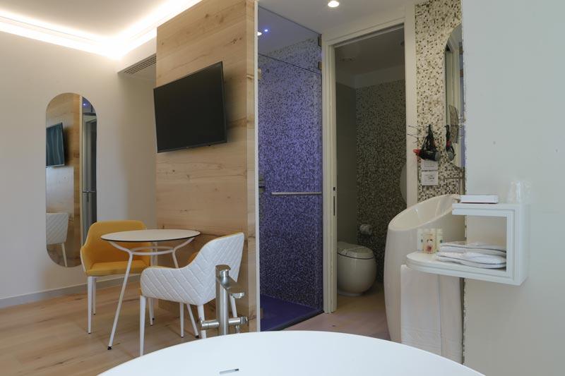 Astrea_Rooms-Junior-Suite-(3)